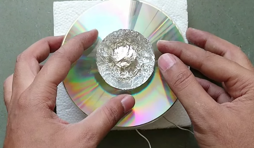 como fabricarte tu propio altavoz con un un cd de musica 22