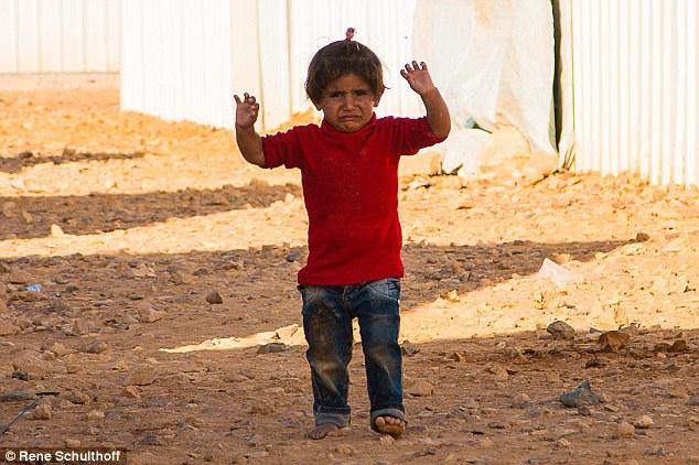 nina_campo_refugiados_1