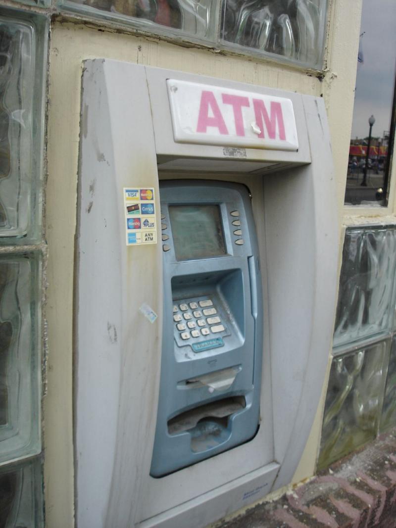 cajeros automaticos modificados por ladrones 13