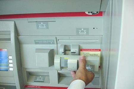 cajeros automaticos modificados por ladrones 4