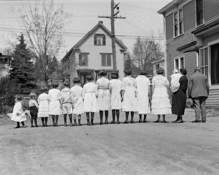 familia de 13 hijos en los años 20 4