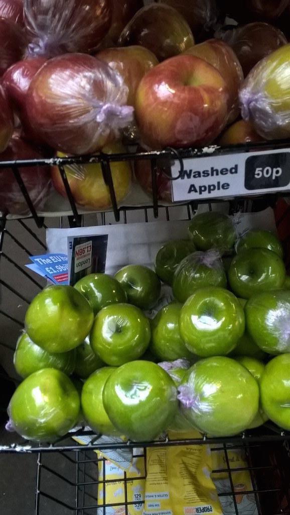frutas y verduras envueltas innecesariamente en plastico 15