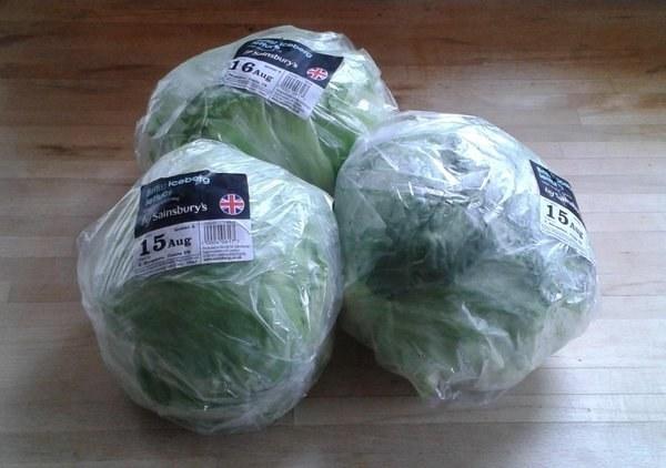 frutas y verduras envueltas innecesariamente en plastico 16