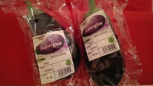 frutas y verduras envueltas innecesariamente en plastico 18
