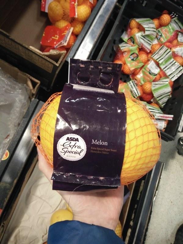 frutas y verduras envueltas innecesariamente en plastico 7
