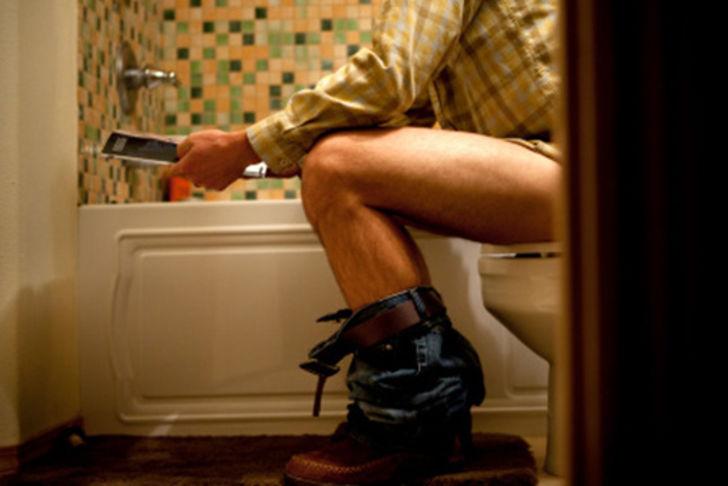 la forma equivocada de ir al baño 6