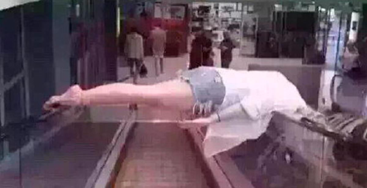 los ciudadanos chinos se toman con humor la tragedia de las escaleras mecanicas