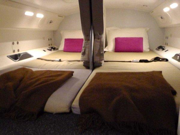 camas azafatas avion 10