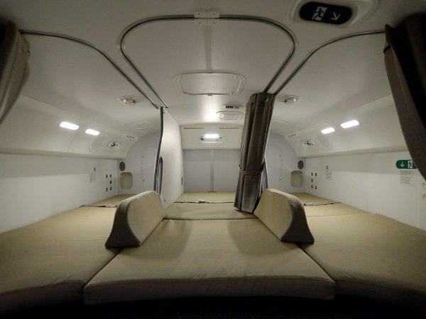 camas azafatas avion 13