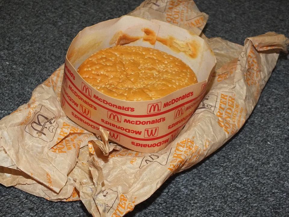 hamburguesa del mcdonalds guardada durante 20 años 4
