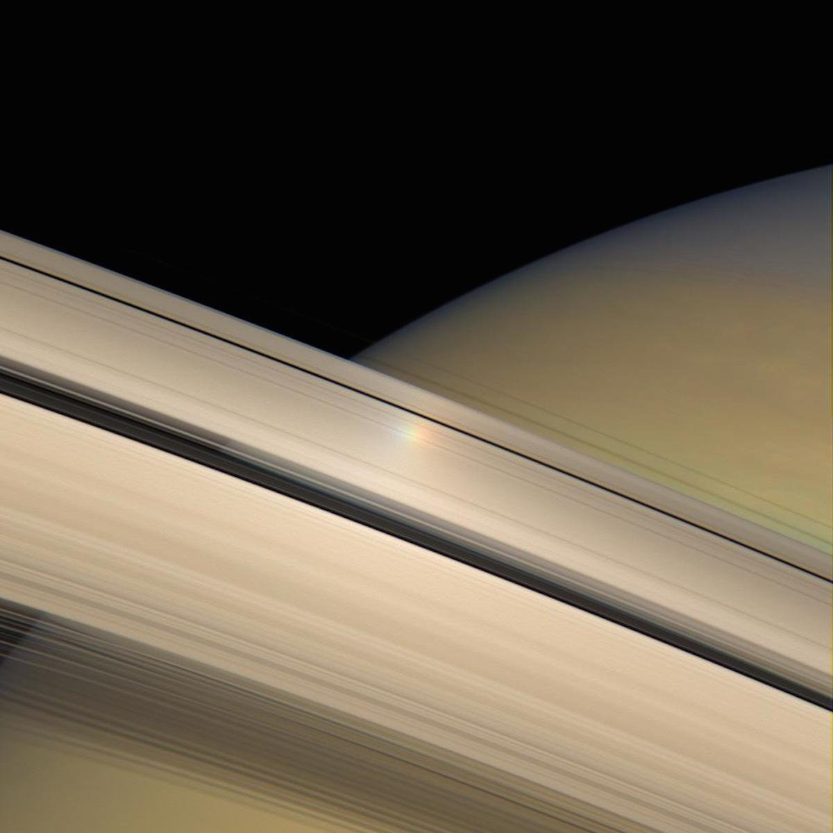 imagenes nunca vistas de saturno tomadas por la sonda cassini 12