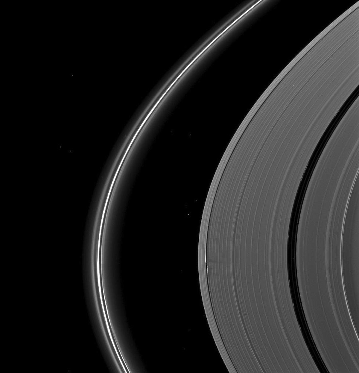 imagenes nunca vistas de saturno tomadas por la sonda cassini 15