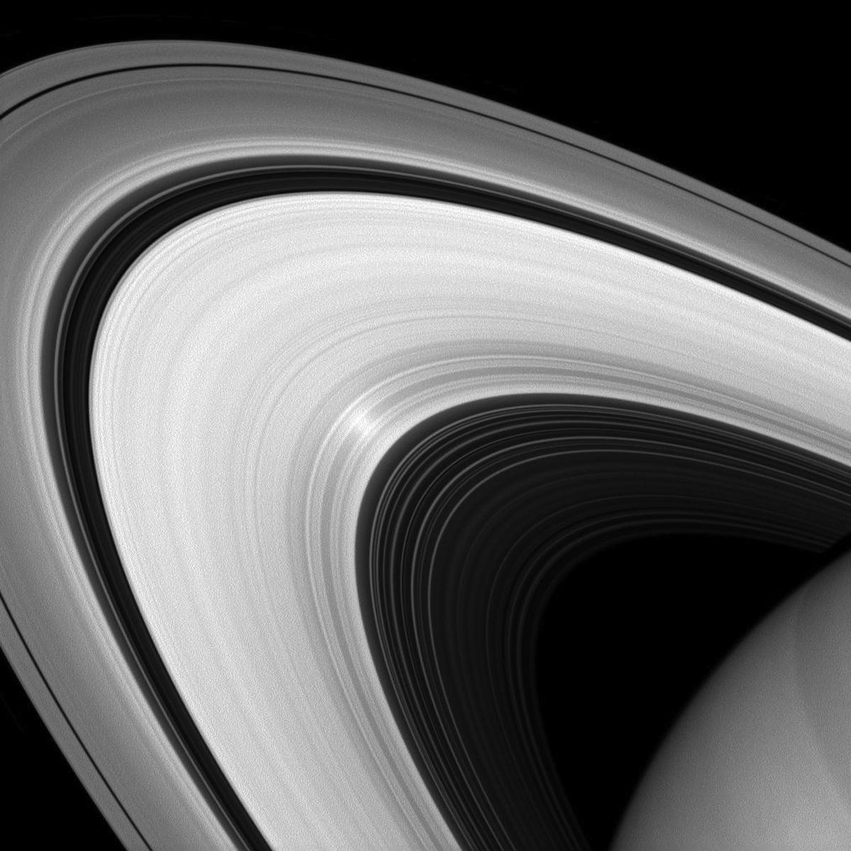 imagenes nunca vistas de saturno tomadas por la sonda cassini 2