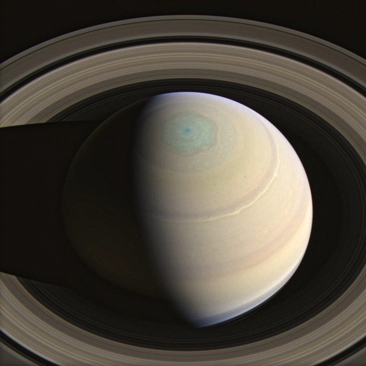 imagenes nunca vistas de saturno tomadas por la sonda cassini 3