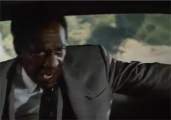 En este momento Bill Cosby le dice al taxista que el es el mismísimo demonio, así, tal cual