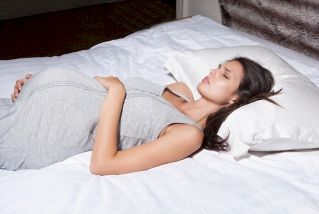 posturas_dormir_embarazo_1