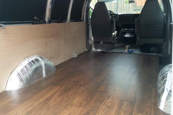 transformando una furgoneta en un estudio movil 9