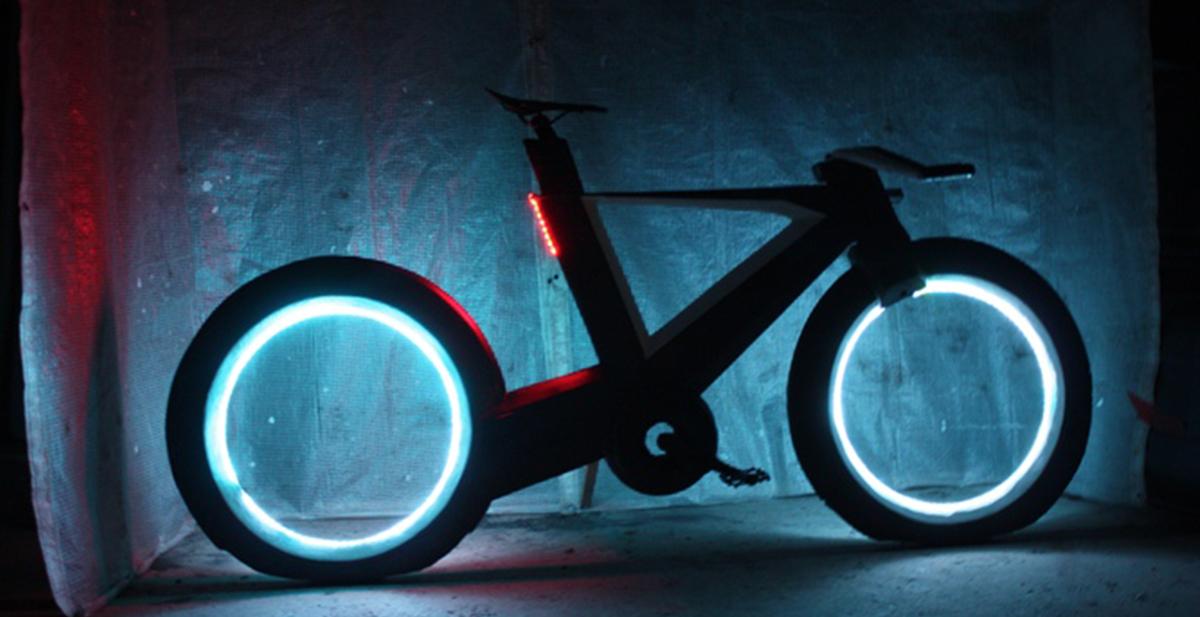 cyclotron la bici qu eparece sacada de Tron
