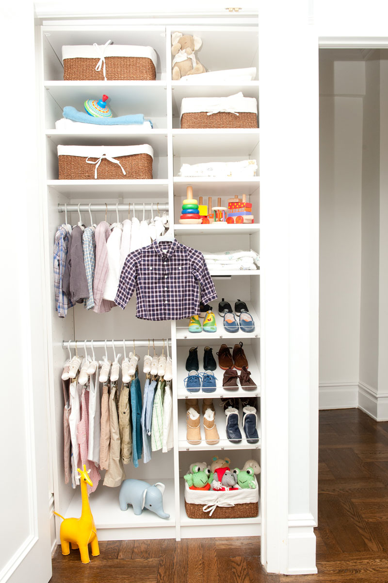 9 trucos para aprovechar al m ximo el espacio de los armarios peque os la voz del muro - Armarios para espacios pequenos ...