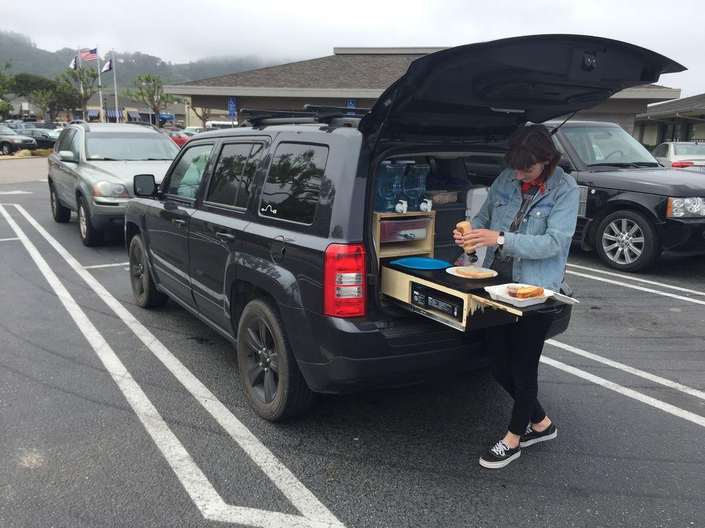 mueble de camping a medida para el coche 9