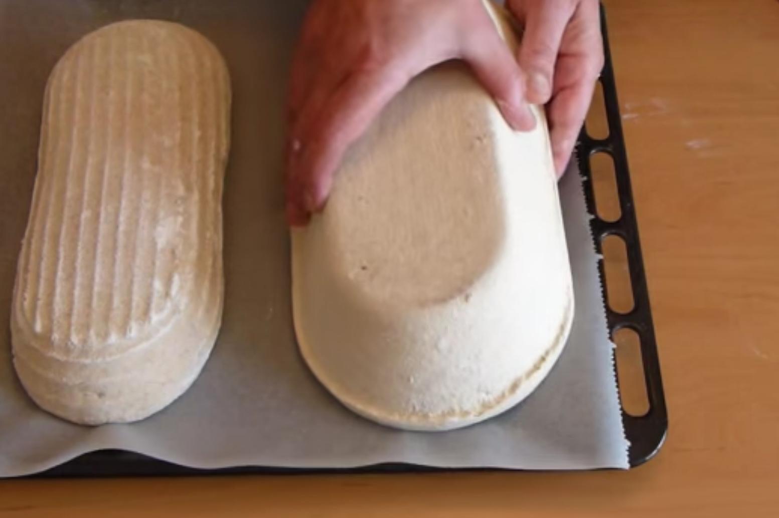 pan en los moldes