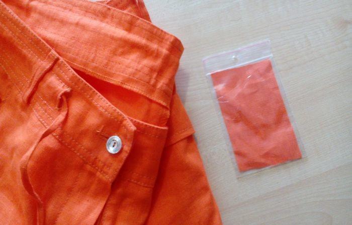 para que sirven los trozos de tela sueltos que trae la ropa nueva 2
