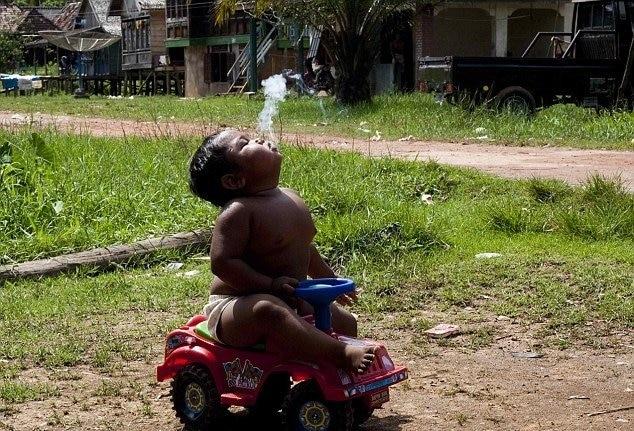 bebe fumador 2