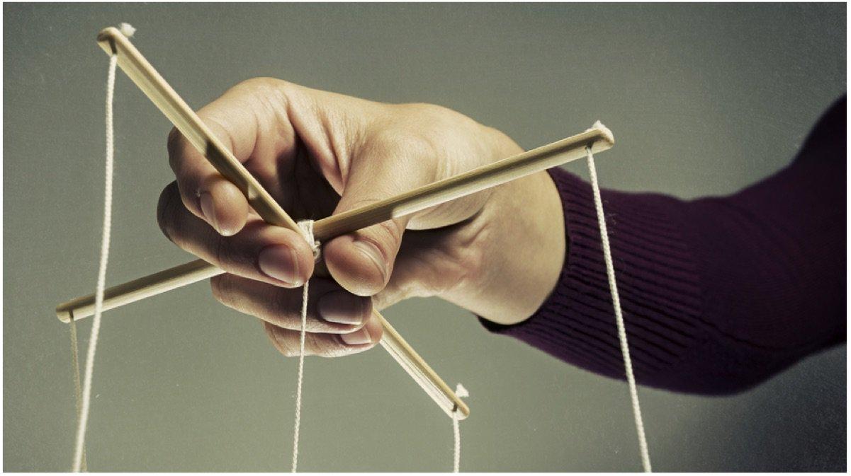 20 tácticas y estrategias que los manipuladores, narcisistas y ...