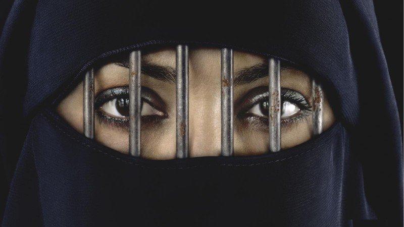 10 cosas que un amujer no puede hacer en arabia saudi 1