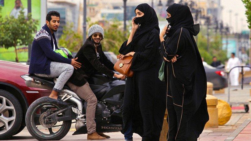 10 cosas que un amujer no puede hacer en arabia saudi 2