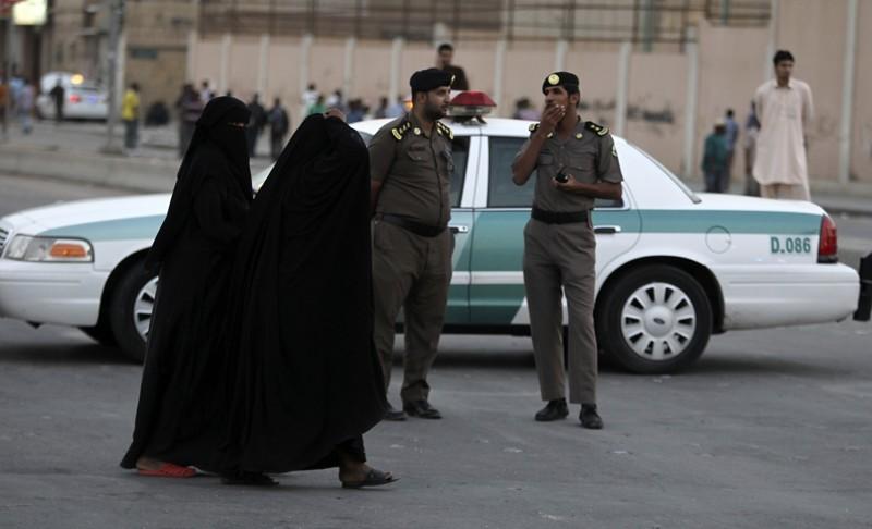 10 cosas que un amujer no puede hacer en arabia saudi 3