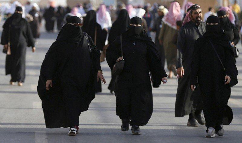 10 cosas que un amujer no puede hacer en arabia saudi 4