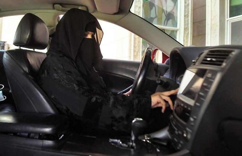 10 cosas que un amujer no puede hacer en arabia saudi 8