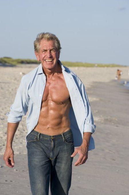 Bernie Long, el culturista con 72 anos 9