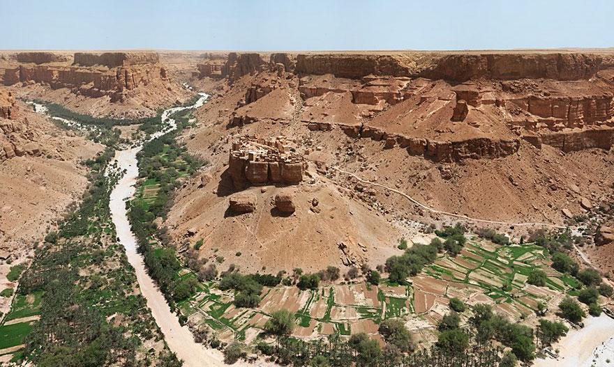 ciudad roca yemen 2