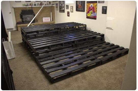 como hacerte uno asientos para tu sala de cine solo con pallets 1