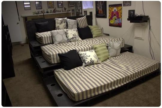 como hacerte uno asientos para tu sala de cine solo con pallets 3