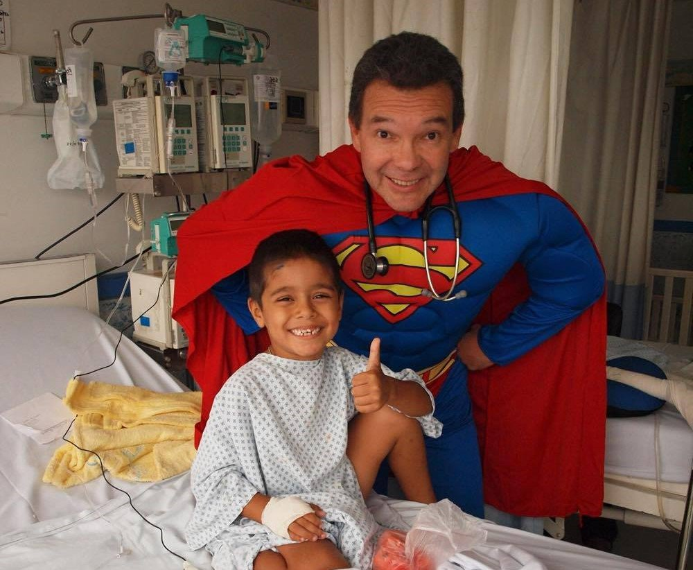 doctor disfraz superheroe 4