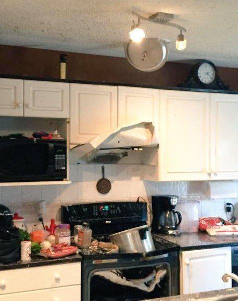 gente despistada liandola en la cocina 11