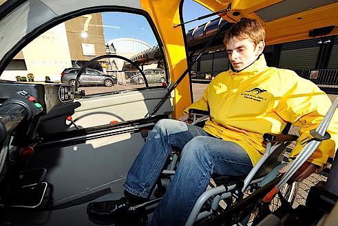 kenguru car vehiculo para gente en silla de ruedas 3