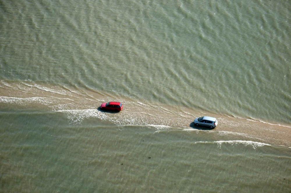 la carretera que acaba bajo el mar todos los dias 1