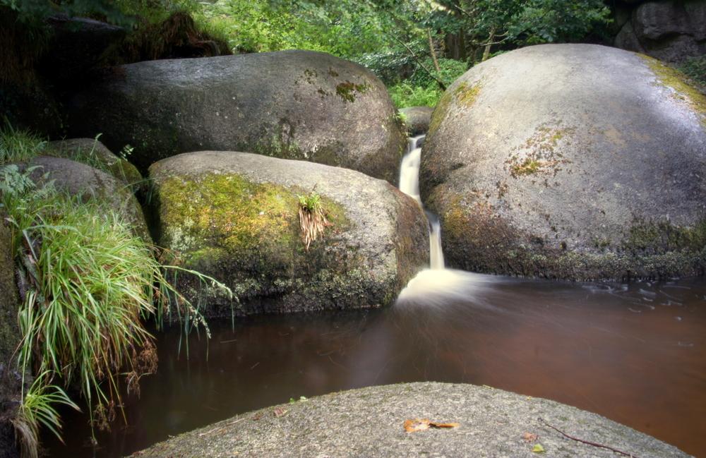 La roca de 137 toneladas que cualquiera puede mover y otras curiosidades del bosque de Huelgoat Mas-Huelgoat-foto-2