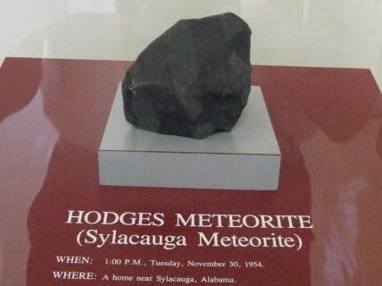 mujer golpeada por meteorito 6