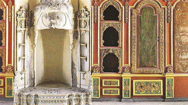 Interior del kafes del palacio Topkapi . labrujulaverde.com