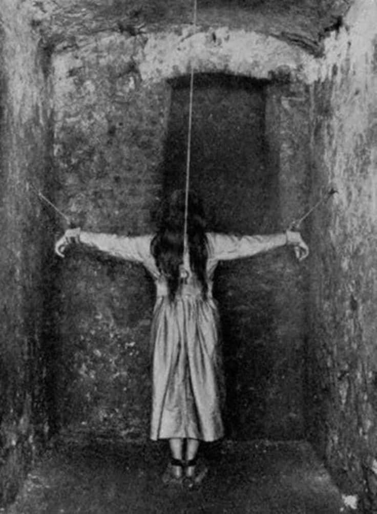 Resultado de imagen para imagenes tratamientos psiquiatricos antiguos