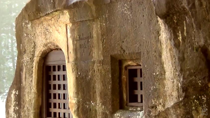 capilla-piedra-rumania-6