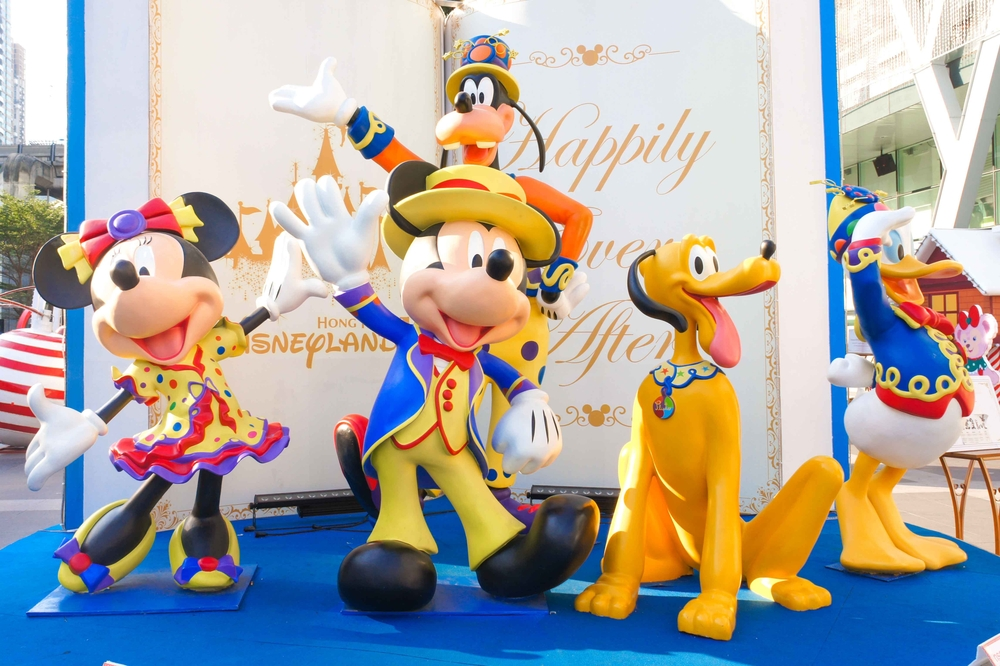 http://www.shutterstock.com/pic-356313212/stock-photo-bkk-dec-30-2015-photo-of-mickey-mouse-and-his-disney-friends-fiberglass-mascots-were-set-up-for-2016-new-year-decoration-photo-booth-at-central-world-in-happy-fairy-tale-concept-free.html?src=oygTkUNawhpapnUQPHFPrw-1-7