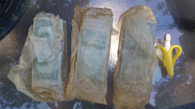se encuentra 2 cajas de laton repletas de dinero en el sotano de su casa 6