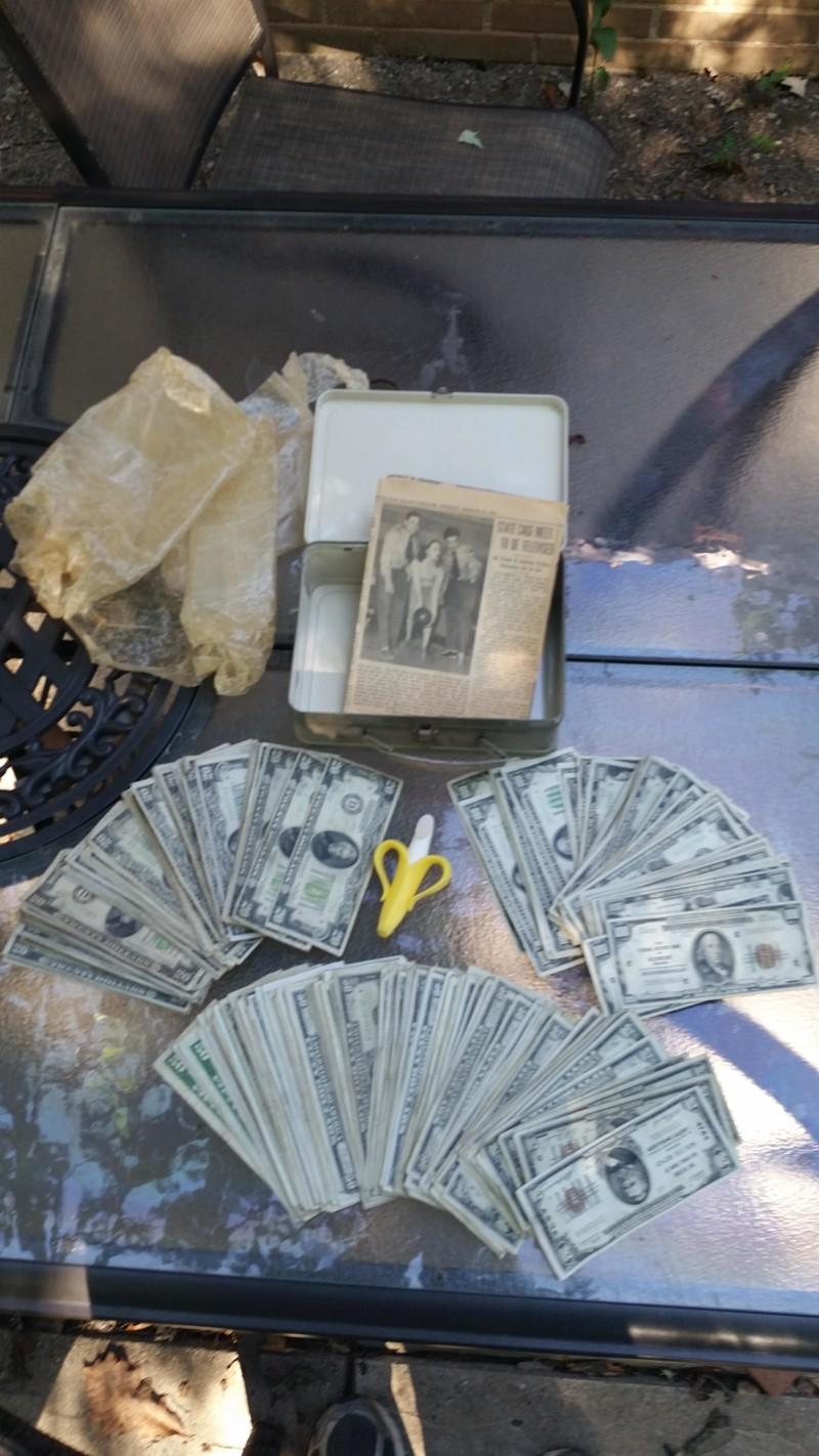 se encuentra 2 cajas de laton repletas de dinero en el sotano de su casa 9
