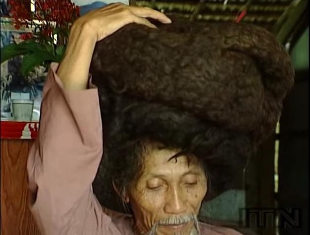 senor que no se ha cortado el pelo en 50 anos 2